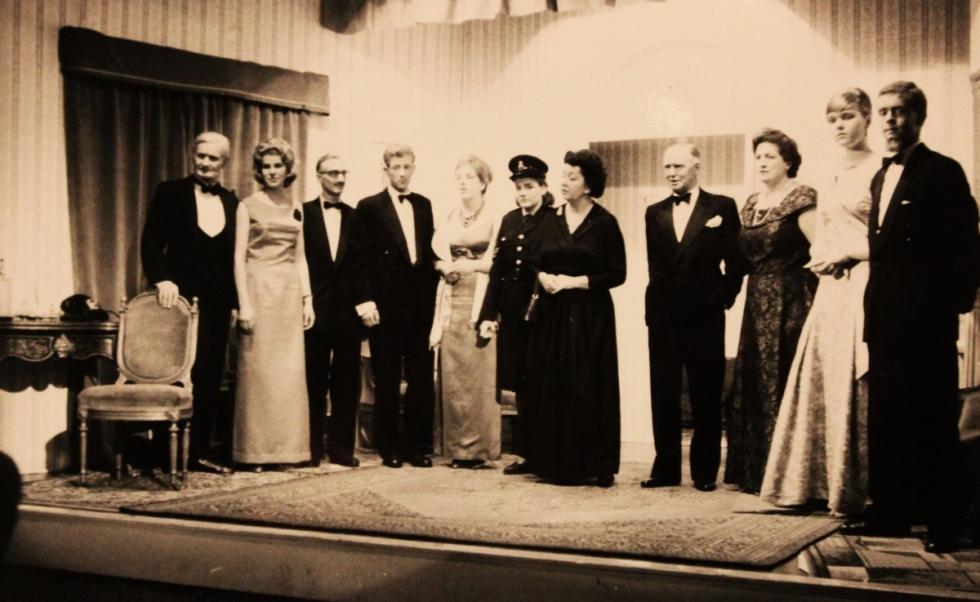 1964-05-distinguished-gathering-002