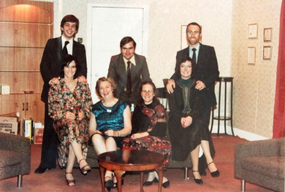 1981-11-the-anniversary-001