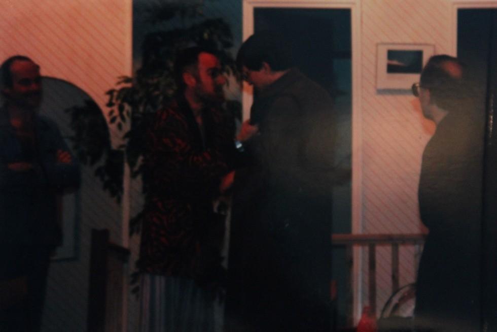 1986-06-uproar-in-the-house-005