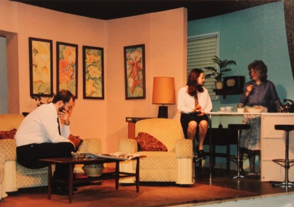 1993-05-pack-of-lies-005