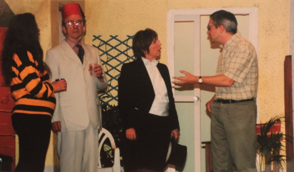 2002-11-party-piece-002